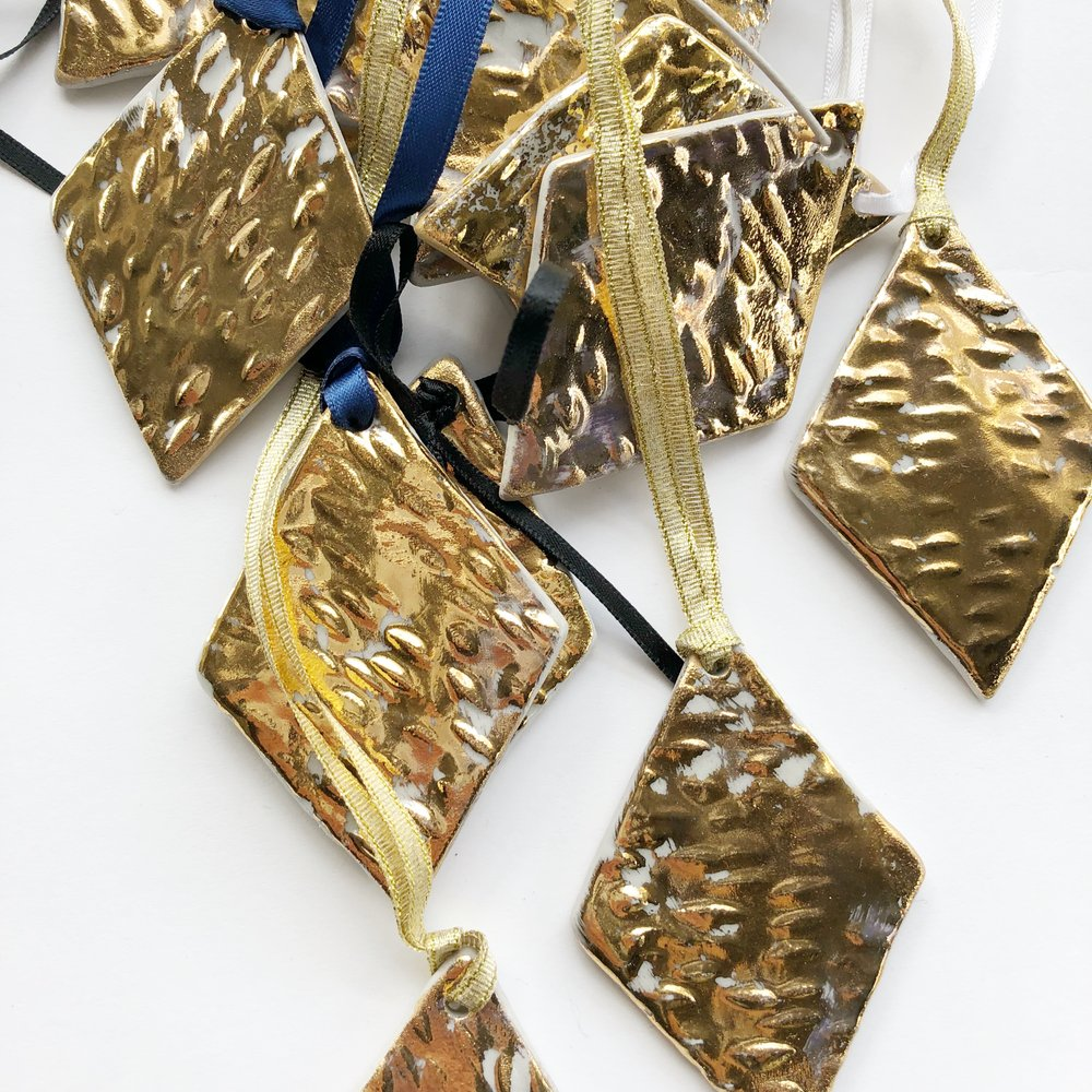 GOLD FLOOD RHOMBUS ORNAMENT  Bridget Bodenham Ceramics House and Court Sydney 1.jpg