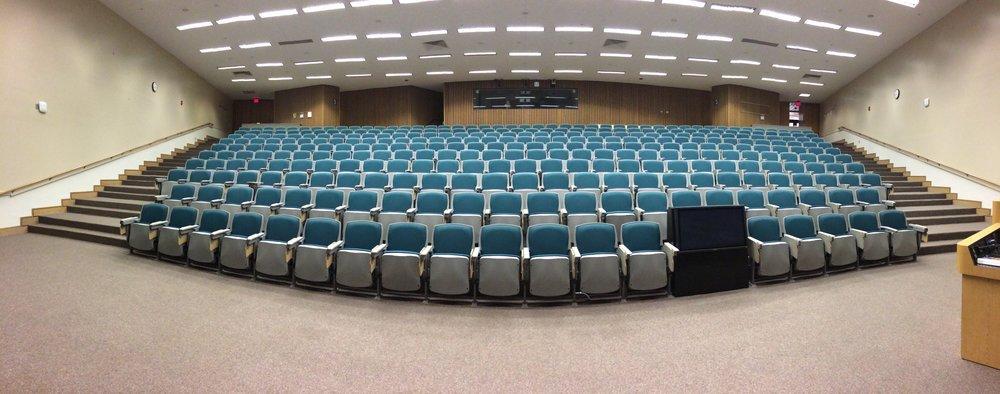 auditorium-572776.jpg