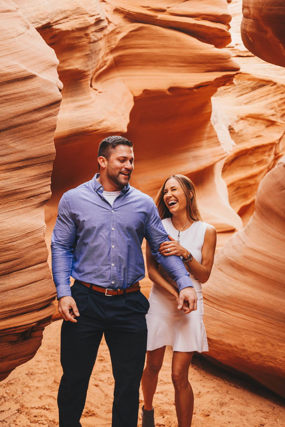Antelope Canyon Engagement-11.jpg