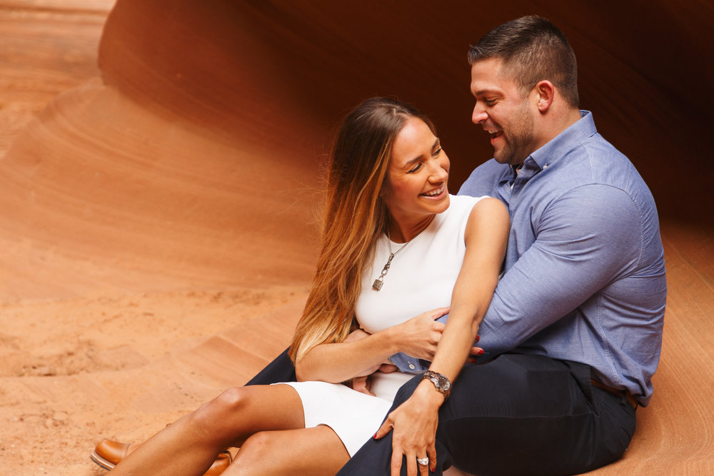 Antelope Canyon Engagement-15.jpg