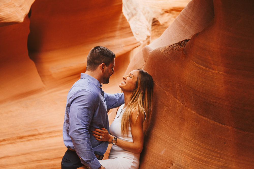 Antelope Canyon Engagement-14.jpg