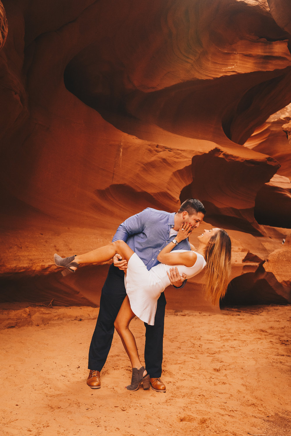 Antelope Canyon Engagement-22.jpg