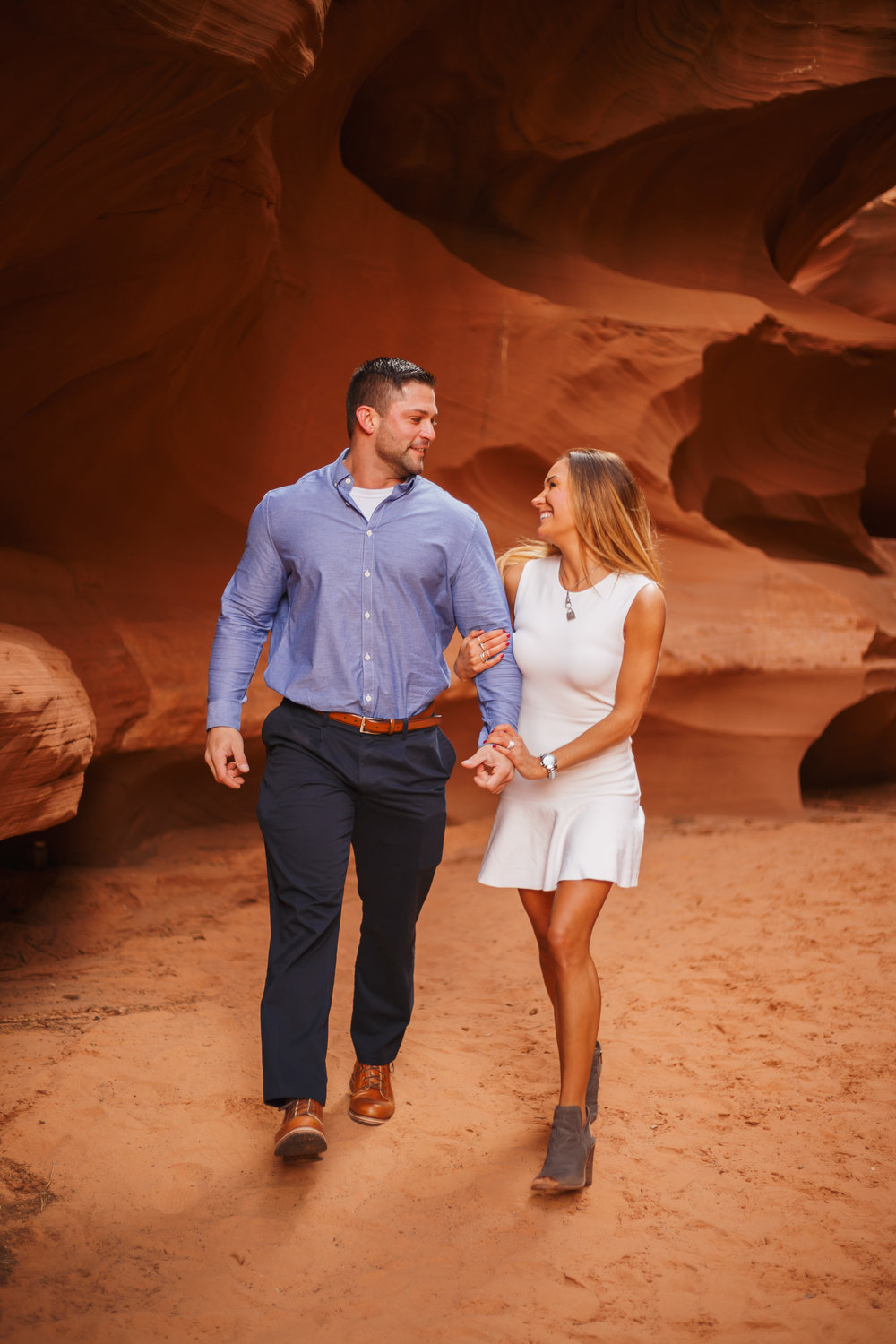 Antelope Canyon Engagement-24.jpg