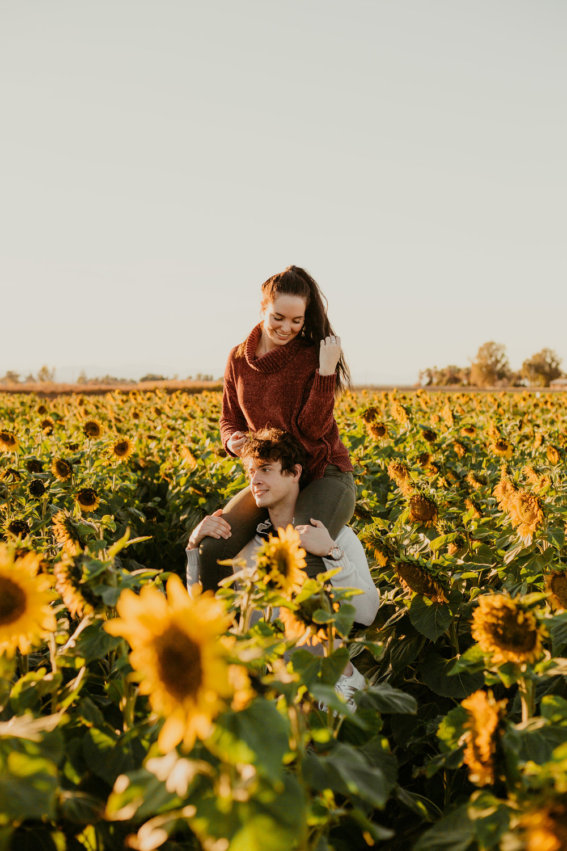 Jenna + Brett Sunflowers-194.jpg