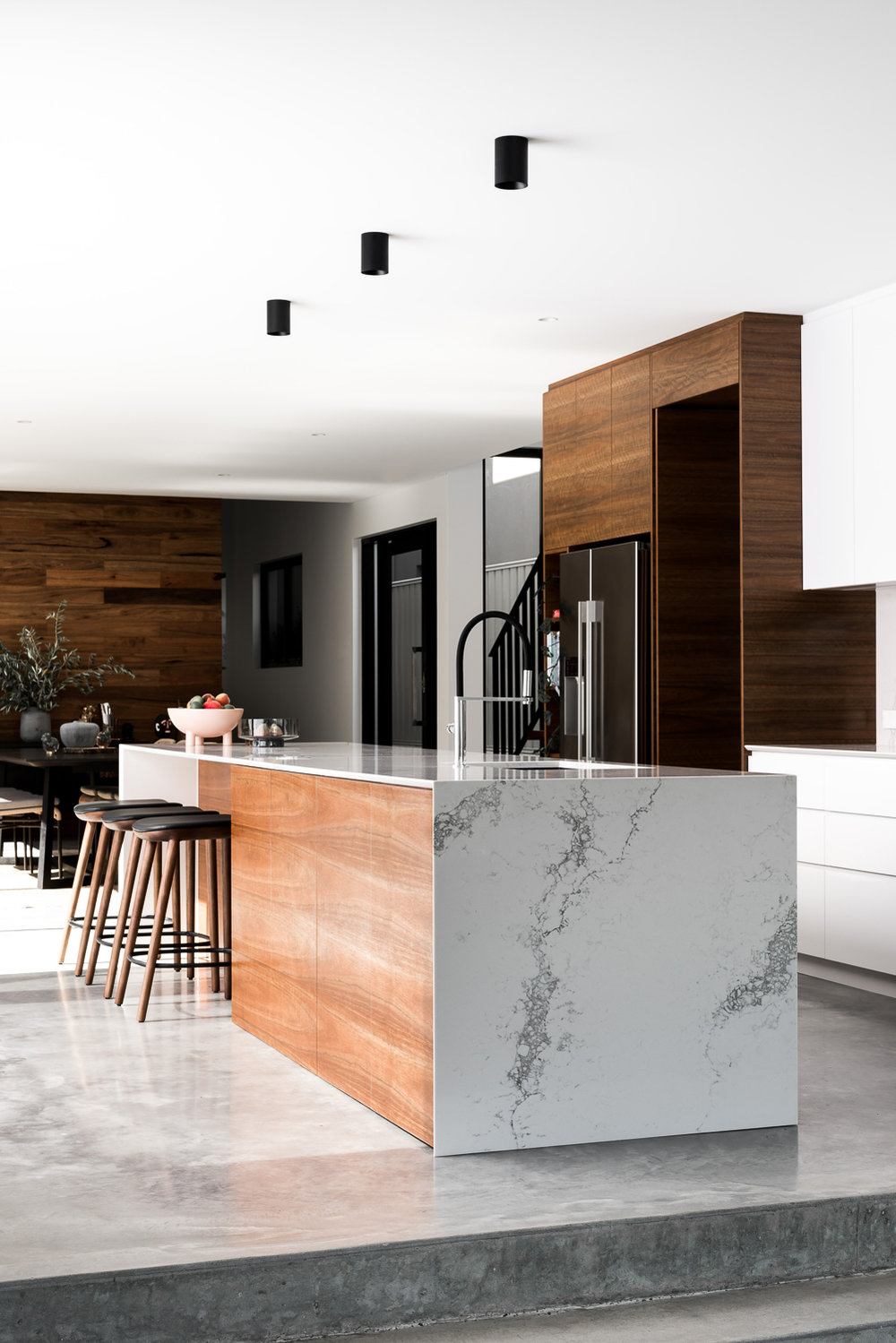 Como Residence by Studio Atelier - Contemporary kitchen design.jpg