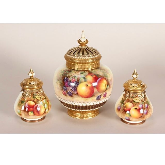 After all the excitement of our Asian Art sale it is now time to move on to the next auction! Traditional European and Australian Decorative Arts in October featuring a private collection from Sydney, including Chiparus, Fornasetti, Wedgwood, Clarice Cliff and this Large Royal Worcester Pot Pourri Jar and Cover #aalders #aalders_sydney #aaldersauctions #royalworcester #royalworcesterchina #englishporcelain #englishchina #royalworcesterporcelain #worcester #englishporcelain #harryayrton #sydneyantiques #sydneyauctions #antiquesforsale #antiquesroadshow #antiquesofinstagram