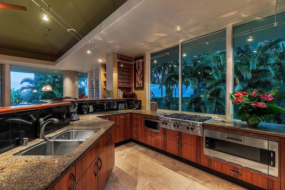 16 Kitchen 043.jpg