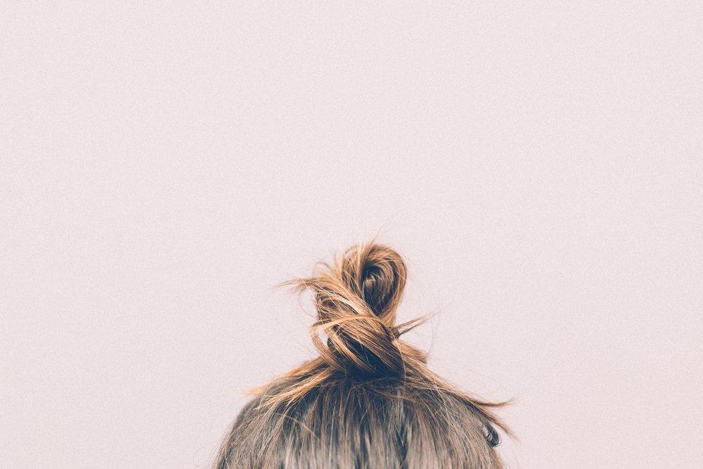 bun-girl-hairs-9634.jpg