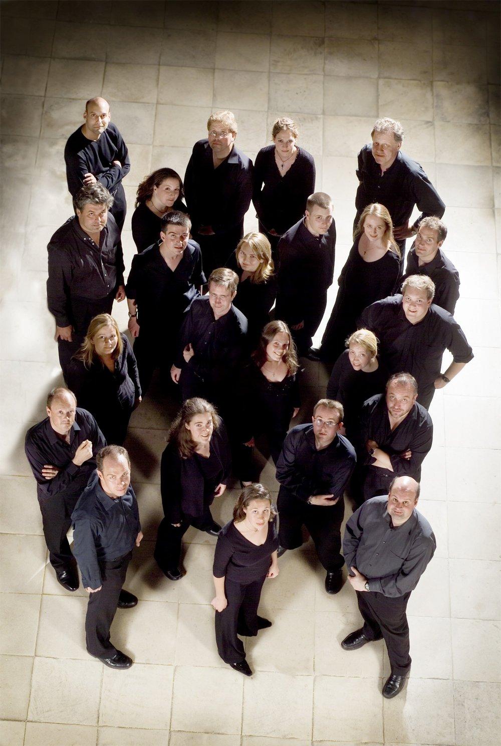 - Polyphony ble grunnlagt i 1986 av Stephen Layton og har siden den gang opptrådt jevnlig over hele verden og gjort en rekke kritikerroste og prisvinnende plateinnspillinger på Hyperion. Korets repertoar strekker seg fra barokkens store pasjoner og de store romantiske verker til nyskrevet kormusikk av nålevende komponister. De samarbeider med ensembler og orkestre som Orchestra of the Age of Enlightenment, City of London Sinfonia og Philharmonia Orchestra.Polyphony ble grunnlagt i 1986 av Stephen Layton og har siden den gang opptrådt jevnlig over hele verden og gjort en rekke kritikerroste og prisvinnende plateinnspillinger på Hyperion. Korets repertoar strekker seg fra barokkens store pasjoner og de store romantiske verker til nyskrevet kormusikk av nålevende komponister. De samarbeider med ensembler og orkestre som Orchestra of the Age of Enlightenment, City of London Sinfonia og Philharmonia Orchestra.Foto: Benjamin Ealovega