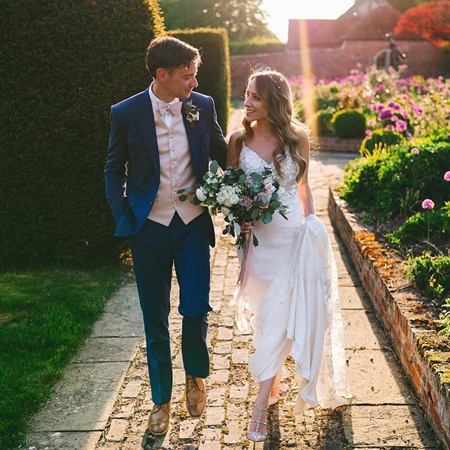 BESPOKE BRIDE // I can't believe it's been 6 months already since this beautiful couple tied the knot. Happy midi-anniversary to Claire and Paul.  ___________ Image by @aga.tomaszek  Styled by @forthelove_of_weddings  Flowers by @foxybuds