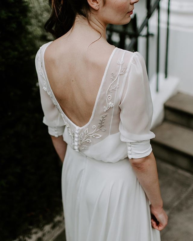 FEARNE // Hand beaded leaf design on a silk chiffon top with in built camisole. Worn here with the Margot skirt.⠀ ⠀ _____________⠀ Image by @nicoladixonphotographyco