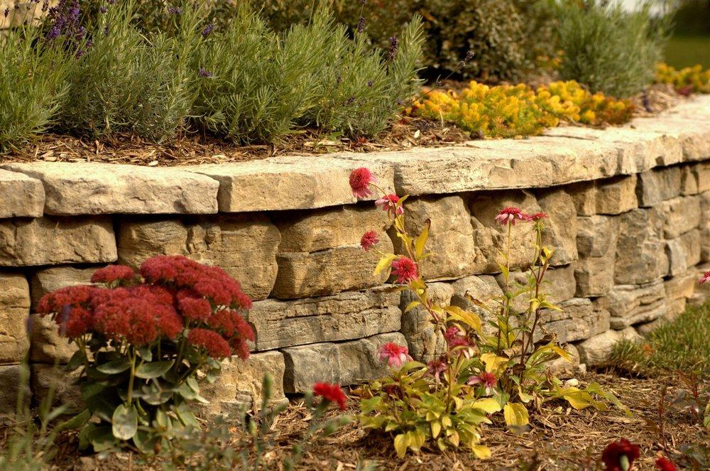 garden_wall.jpg