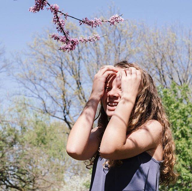 Let the sunshine in. • • • • • • • • #stlouisgram #stlphotographer #midwestphotographer #stlouisphotographer #alwaysadventure #stlweddingphotographer #lifestylephotographer #stllifestylephotographer #loveauthentic #creativehappenings #darlingmovement #makeportraits #midwestbloggers #nothingisordinary #postthepeople #peoplescreatives #postitfortheaesthetic #flashesofdelight #theeverygirl #pursuepretty #lafayettesquare #stlseniorphotographer