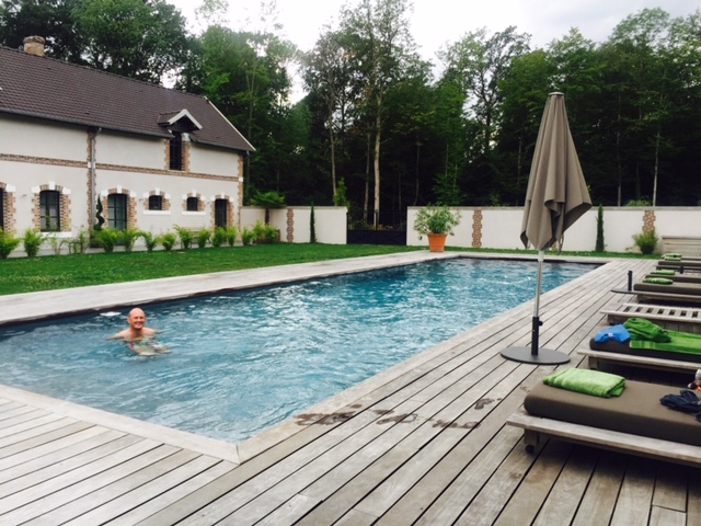 The Chateau has a large salt water pool and spa area with steam room and sauna. Massages can be booked in advance.