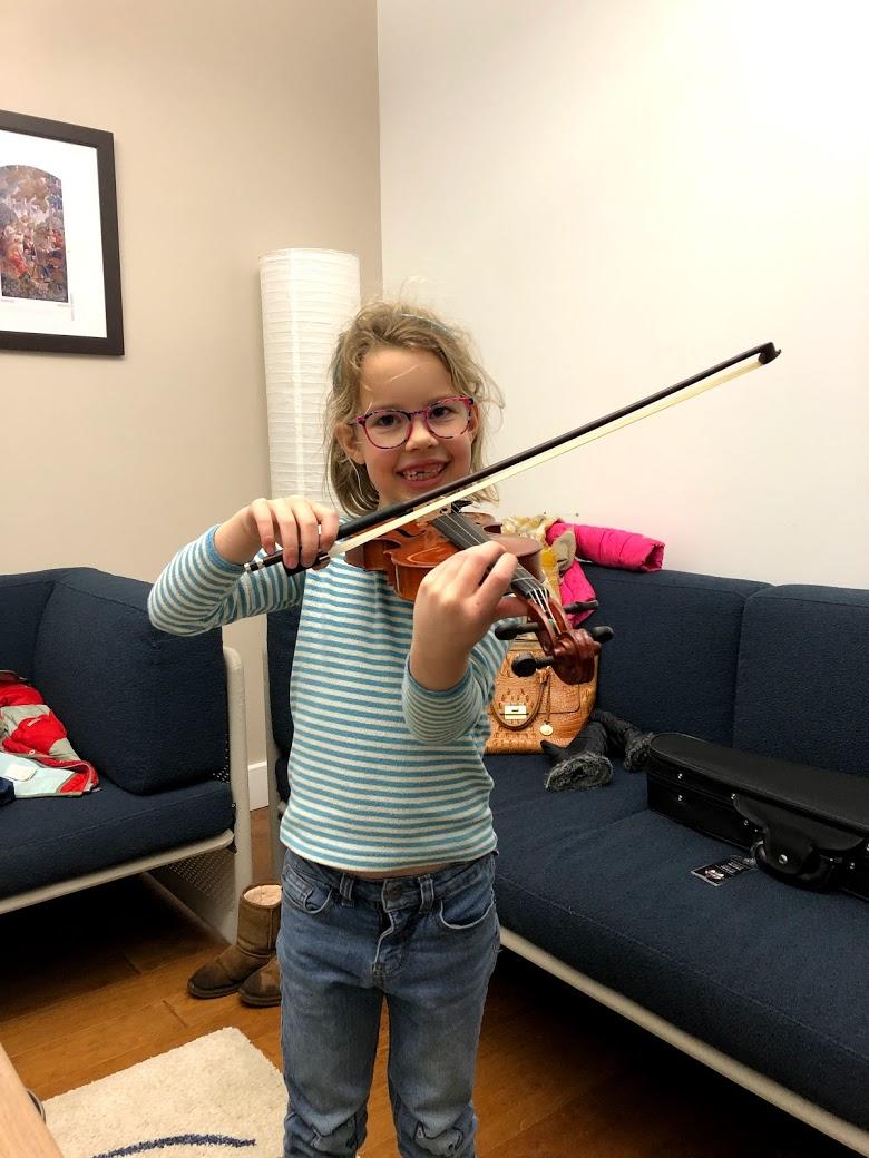 Izzy's beautiful violin posture