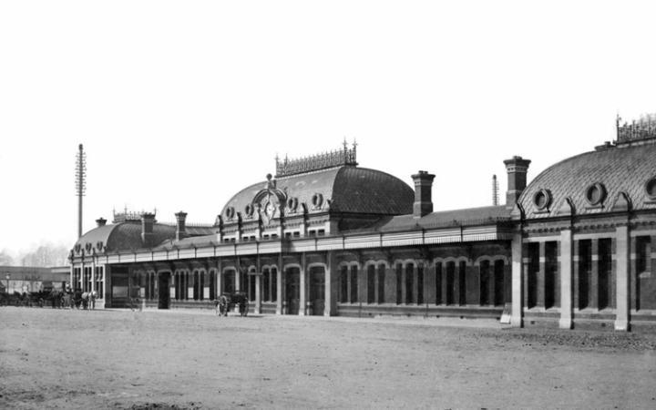 Slough Train Station - 1886