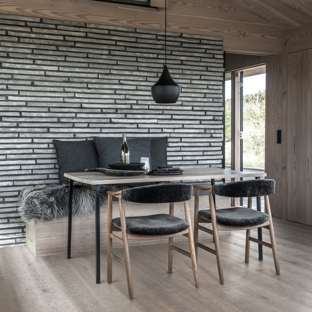 KARELIA - Swedish made, design led boards, from the Kahrs Group. A triple-layered engineered construction with a 3mm wear layer and varied lengths.