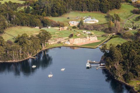 Tasman_Peninsula_by_Paul_Hoelen_Photography_20A7910_lg.jpg