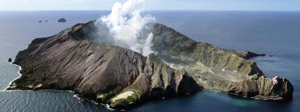 articles-reader-story-exploring-white-island-new-zealand.jpg