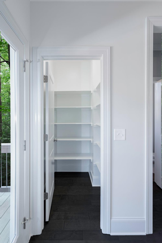 closet4DSC00791.jpg