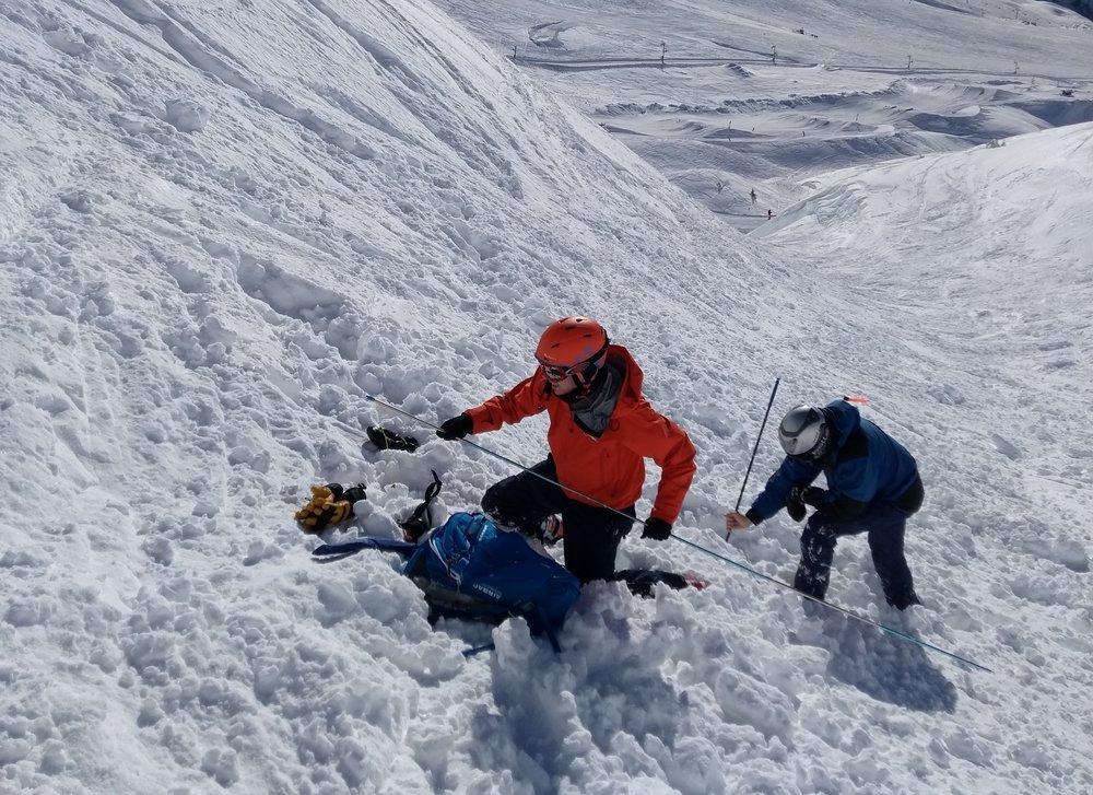 Practising avalanche burial scenarios