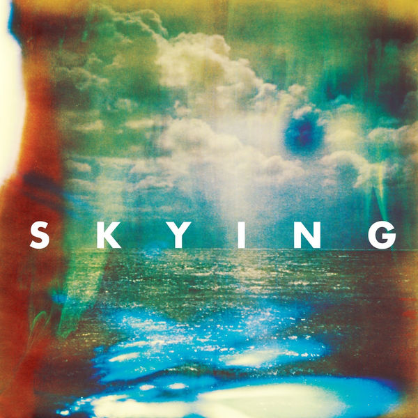 Horrors – Skying