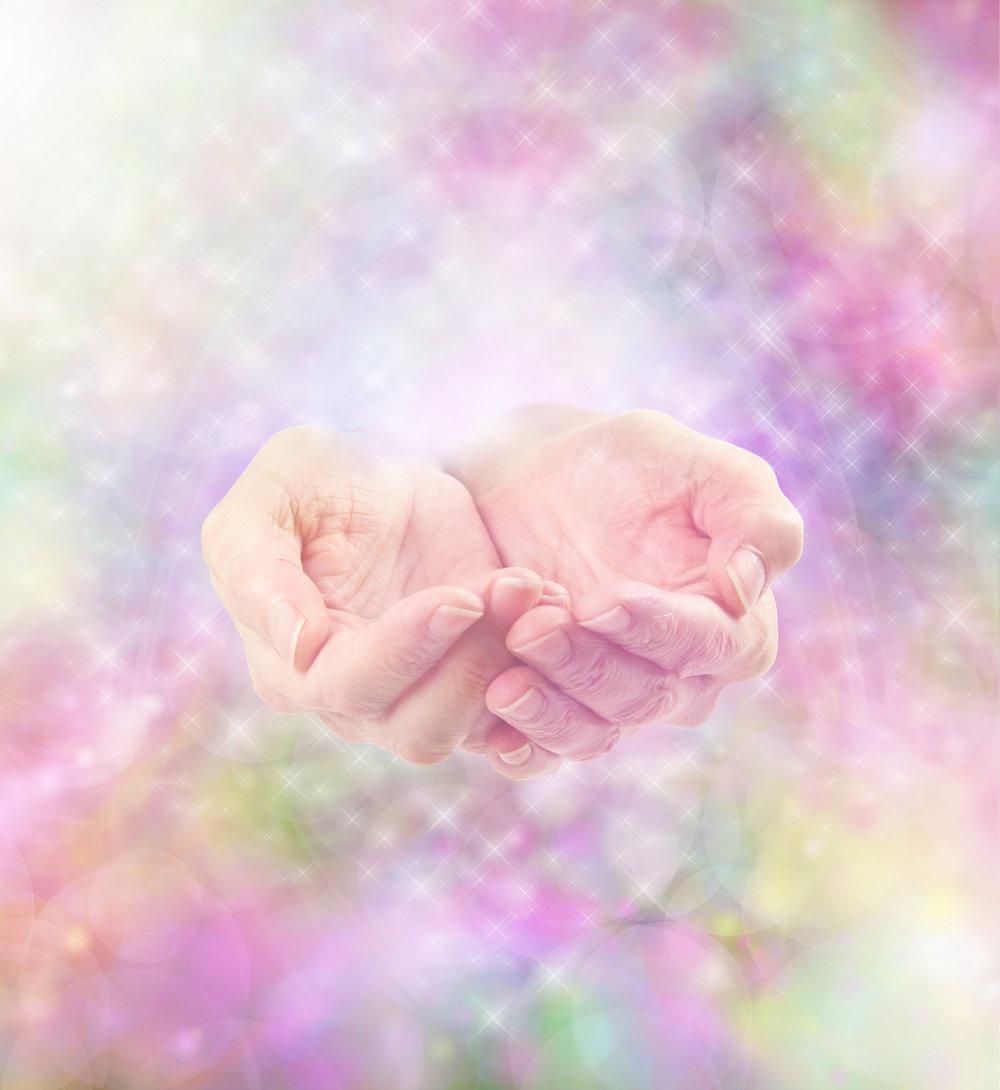 energy hands_k20305770.jpg