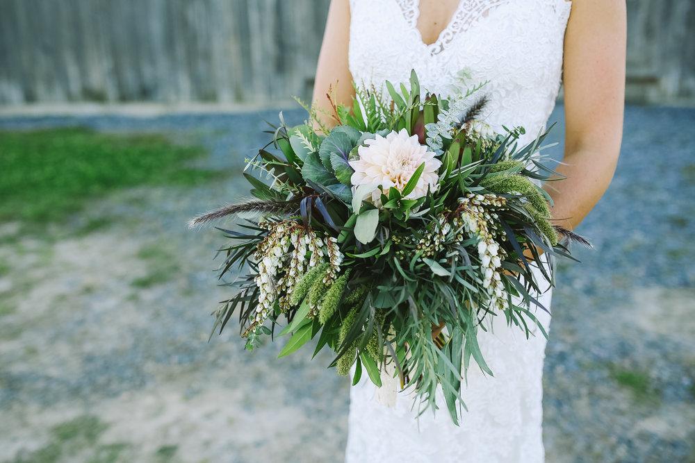 ErinMatt-Bracebridge-Wedding-Photogrpaher-©khiPhotohraphy-2014-05Portraits-sm-99.jpg