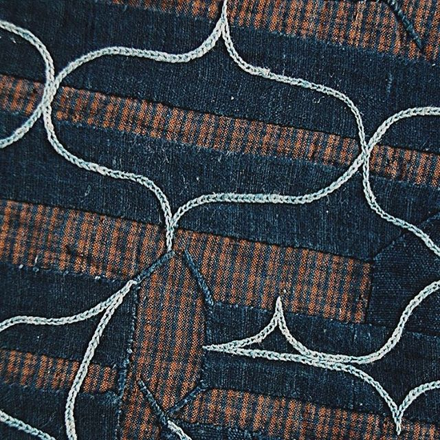 Ainu braided designs on a handwoven Ramie from the early 20th century. The mystery that lies between the Pacific Northwest Coast, Japan and the Pacific Islands is fascinating. Those curves and points! #indigenousweaving #indigenousart #ainu