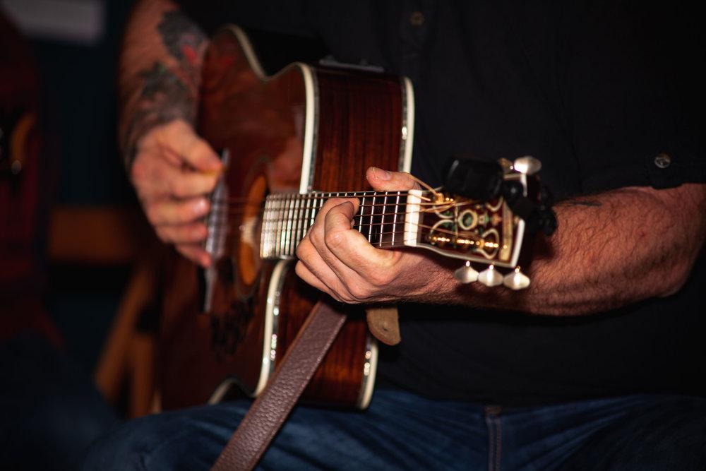 A very pretty guitar