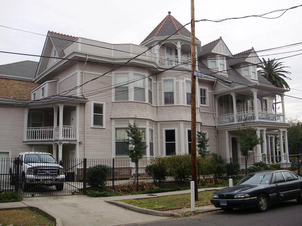 2727 St. Charles Avenue