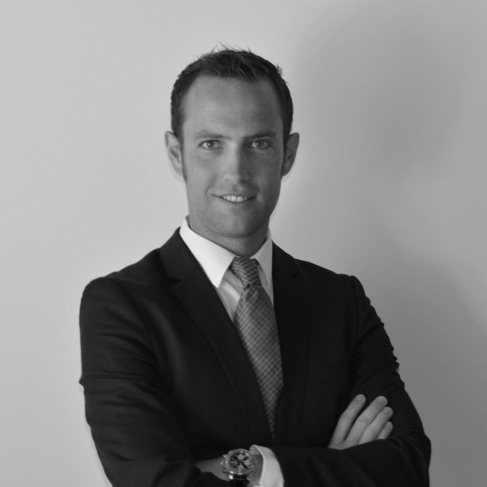 JOAN MIRÓ   Assessor legal  Llicenciat en dret per la Universitat Autònoma de Barcelona. Ha cursat, entre d'altres, el postgrau en Dret Concursal de la Universitat Pompeu Fabra i el curs en especialització en Dret Andorrà de la Universitat d'Andorra.  Actualment és coordinador i professor del màster en pràctica jurídica de la Universitat Autònoma de Barcelona  Membre de Junta del Il·lustre Col·legi d'Advocats de Manresa i President dels Joves empresaris i emprenedors d'Andorra. Apassionat de les noves tecnologies, presta els seus serveis com a Lletrat tant al Principat d'Andorra com a España.