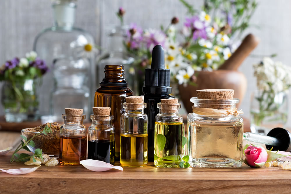 https://cleanmyspace.com/cleaning-with-essential-oils/