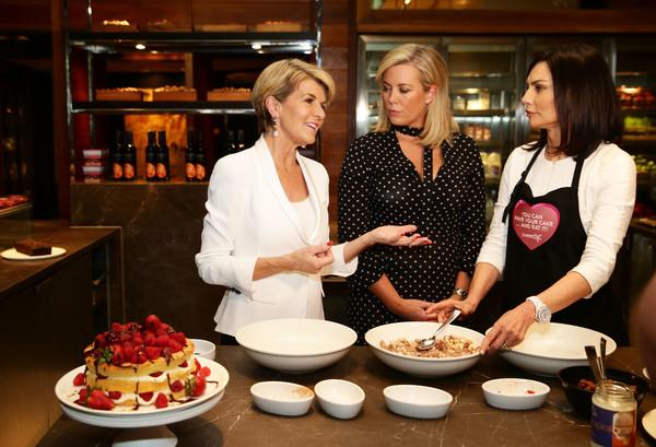 Carolyn+Hartz+Julie+Bishop+Attends+Cookbook+1_UU_eFtmBjl.jpg