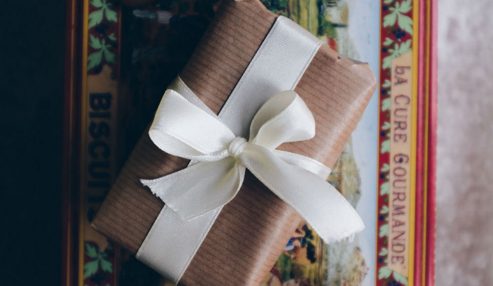 gift-wrap-ribbon.jpg