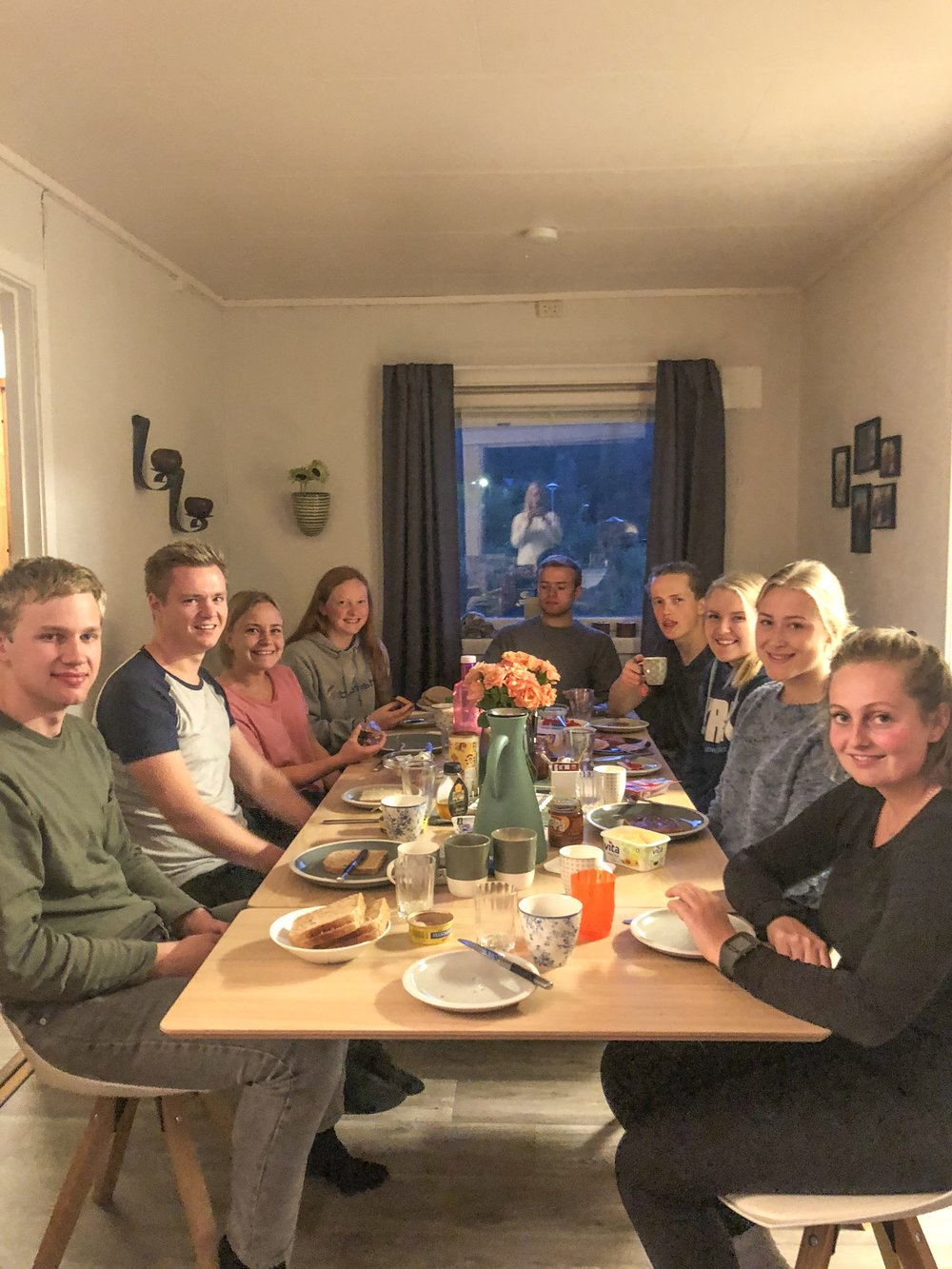 Bibelgruppe hjemme hos stab