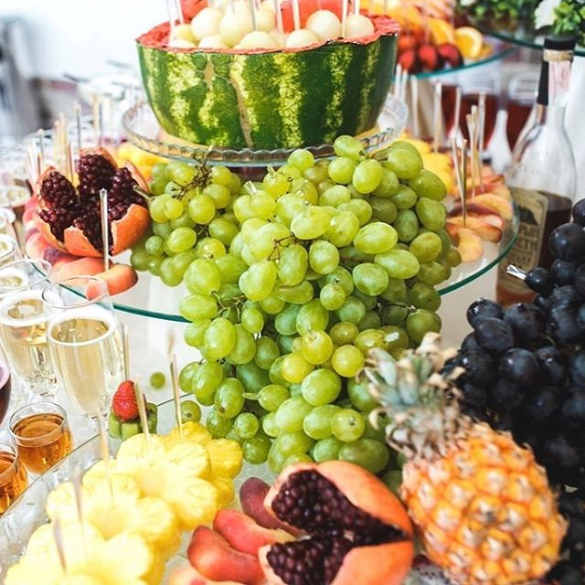 📷 A beautiful #fruitarrangement from a wedding reception held at The Campbell Event Centers. #eventsatcampbell . . . . #tulsa #oklahoma #event #hotel #luxuryhotel #luxury #style #icon #venue #instatravel #party #wedding #boutique #fashion  #interiordesign #designer #lifestyle #exclusive #vip #decor #elegant #pretty #beautiful #iconic #eventplanner #memorable #catering #events