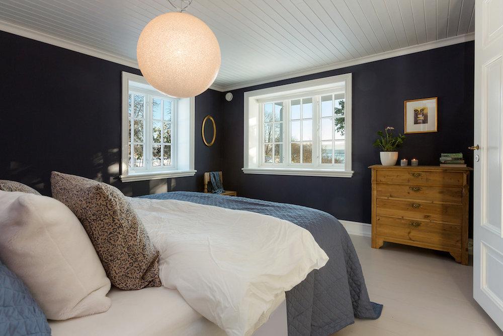 soverom hus interiørarkitekt oslo belysning.jpg
