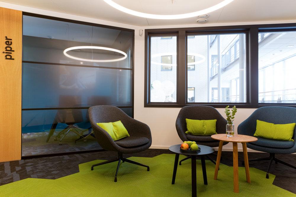 Bank sosiale soner kreativt fargerikt interiørarkitekter oslo .jpg