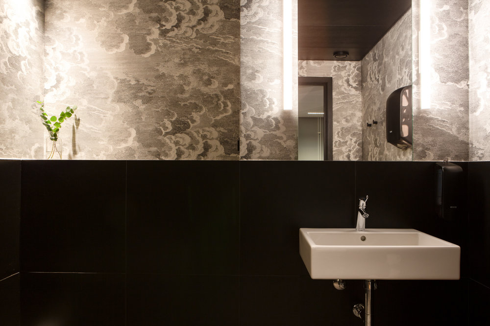Bank toalett vask kontor kreativt interiørarkitekt oslo .jpg