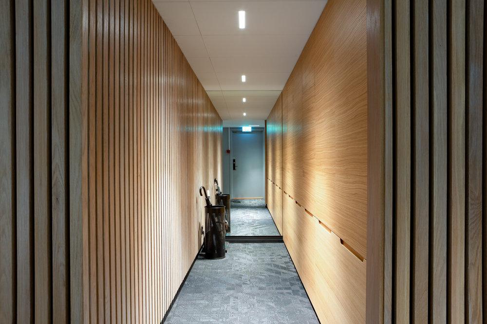 Bank garderobe interiørarkitekt interiørdesign oslo.jpg