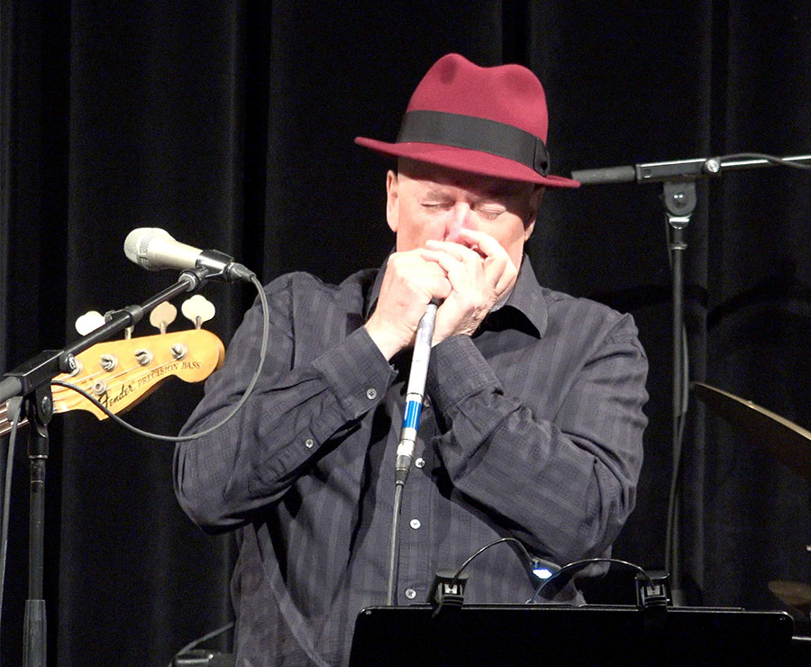 keith-bennett-live-jazz-harmonica.jpg