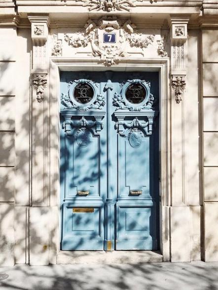 1.votre nid parisien - Nous vous aidons à trouver votre home sweet home : un appartement ou un petit hôtel charmant qui réponde à vos envies et vos besoins.