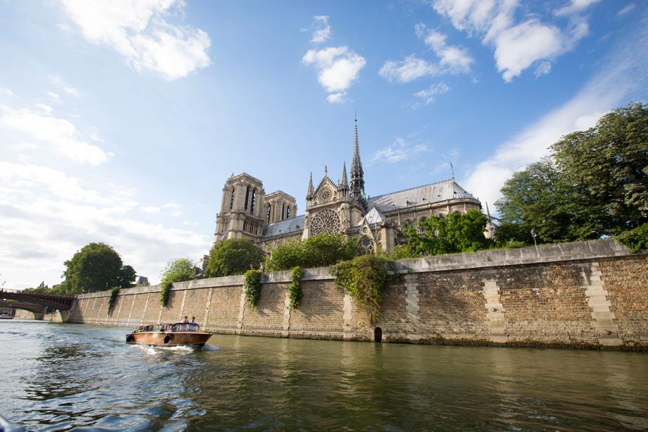 RueAmandineEvent-Longchamp-boatcruise4.jpg