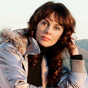Lesley Rochat