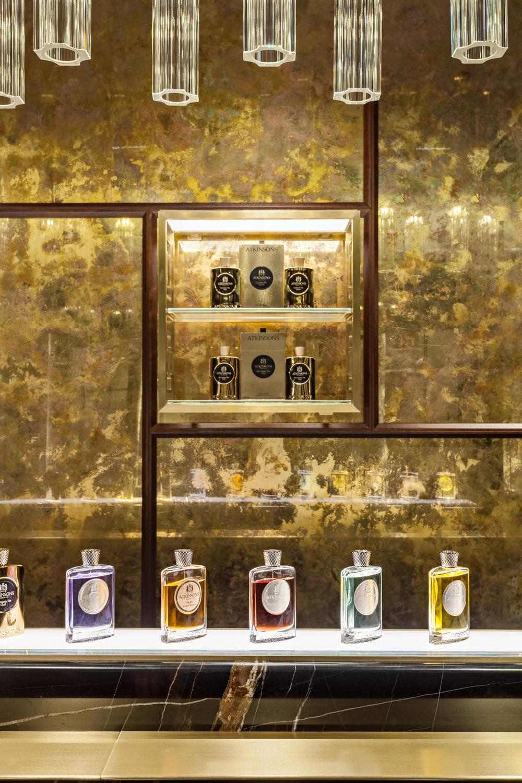 Atkinsons 1799 Burlington Arcade - Gilded mirror wall and perfume © Michael Franke