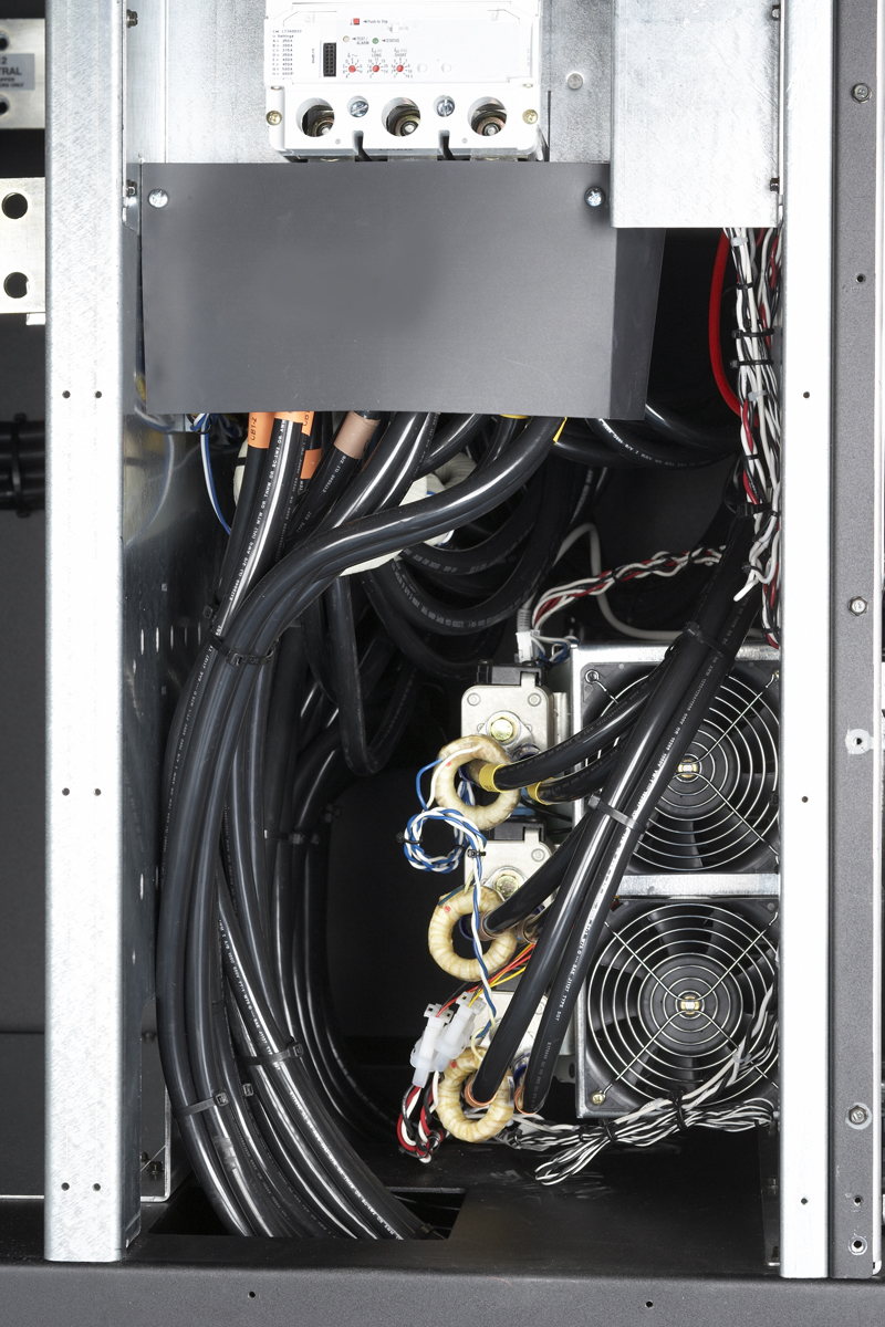 Eaton_9395_cable_opening_bottom.jpg