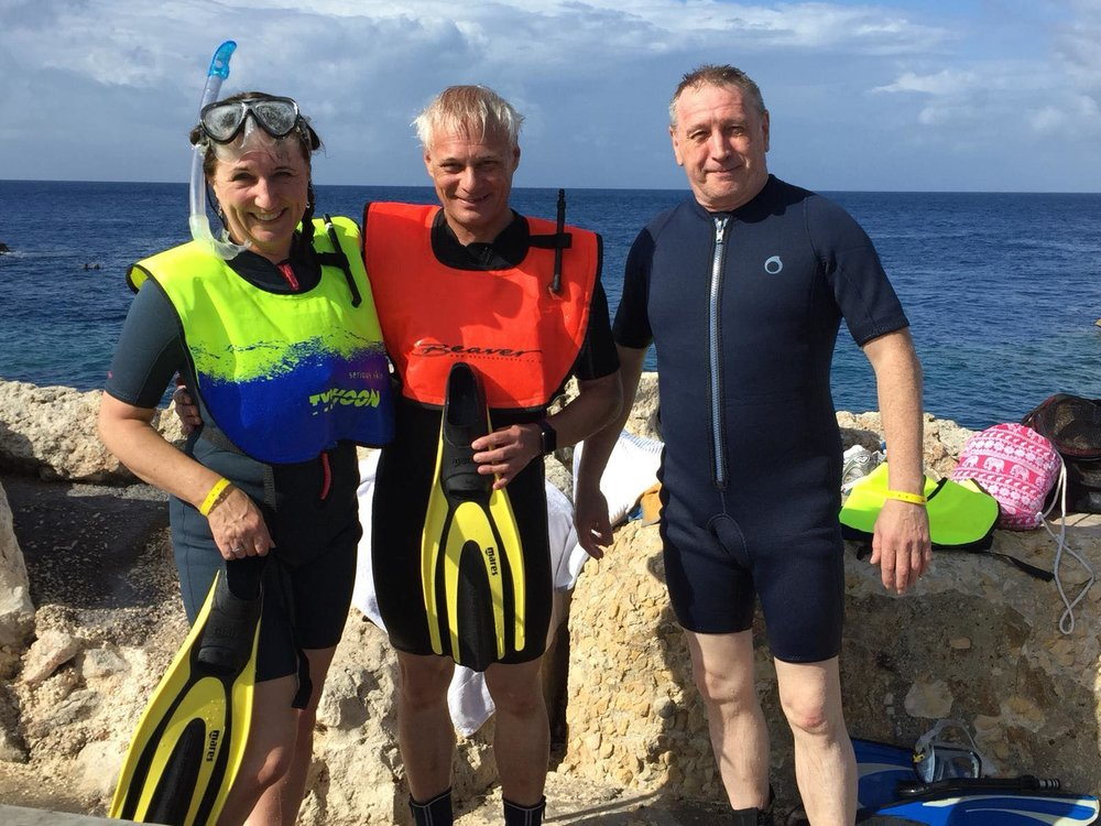 LUEC Snorkel instructor John with members Jackie and Phil in Malta