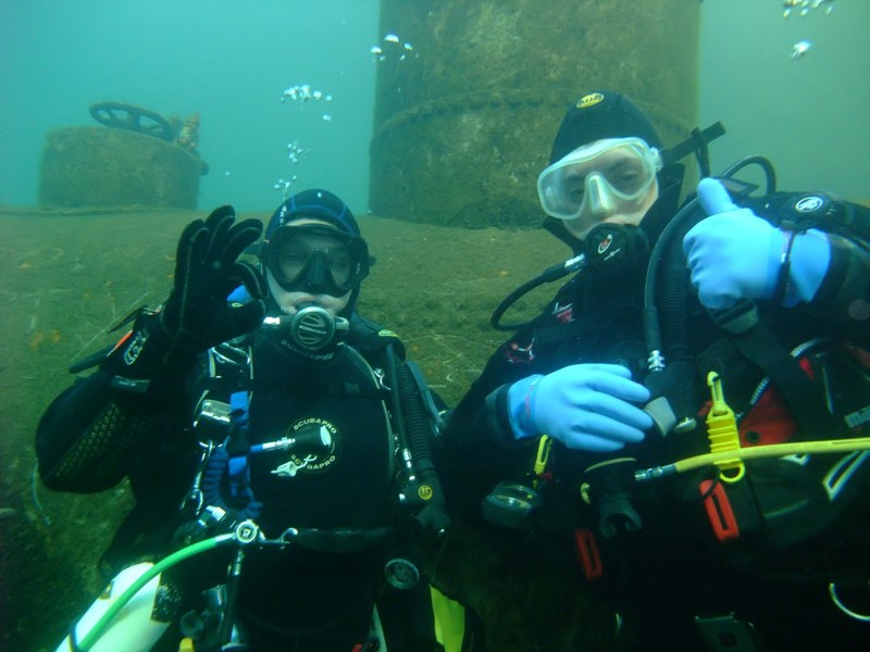 LUEC divers in Stoney Cove