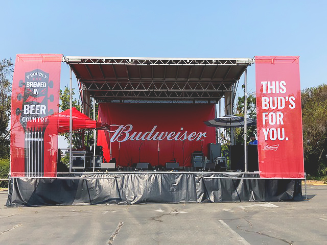 budweiser-backyard-bbq-stage.jpg